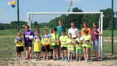 Minięta: Dzieci rywalizowały w meczu piłkarskim na nowym boisku – 4.06.2016
