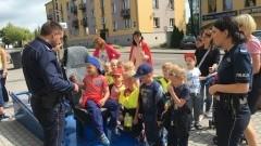 Dzień otwarty sztumskiej policji. Dzieci odkrywały tajemnice komendy przy ul. Sienkiewicza 7 – 16.06.2016