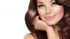 Serum do włosów kręconych Liss Control + od L'Oreal Professionnel zdyscyplinuje nawet najbardziej niesforne loki!