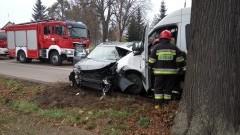 Bus zderzył się czołowo z volkswagenem. Trzy osoby w szpitalu! - 15.11.2016