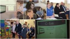 """System C-eye, który pozwala chorym """"mówić"""". Jedyna furtka, przez którą mogą komunikować się ze światem zewnętrznym. Spotkanie w OREW Jeziernik podczas, którego przekazano Fundacji WRÓĆ tzw. Cyber-Oko - 10.01.2017"""
