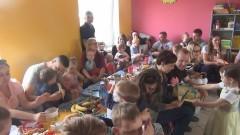 Sztum: Maluszki z Dzwoneczka zaprosiły rodziców na Dzień Mamy i Taty – 02.06.2017
