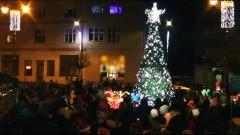 Sztum: Choinka rozbłysła na pl. Wolności. Mikołaj nie zawiódł dzieci – 06.12.2017