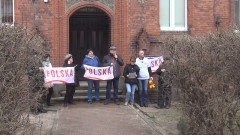 Dziewiąta pikieta Bogumiły Skóry przed malborskim sądem. Protest z Adamem Słomką!