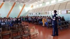 """Sztum/Barlewiczki: """"Nie"""" dla stalkingu i przemocy w Internecie. Policjanci o cyberprzemocy z uczniami"""