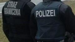 Próbowali wwieźć do Polski skradzione części warte 20.000 euro. Dwóch Polaków zatrzymanych na granicy.