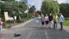 Gmina Dzierzgoń: Odbiór przebudowy drogi w Jeziornie.