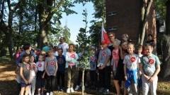 Dzierzgoń: Uczniowie posadzili 100 drzew z okazji 100. rocznicy Odzyskania Niepodległości