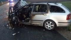 Policja poszukuje srebrnego BMW, które oddaliło się z miejsca wypadku w Poliksach.