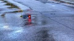 Zmiana aury wymusza zmianę techniki prowadzenia pojazdu. Apel policji do kierowców.
