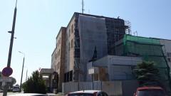 Będzie cieplej w celach. Trwa termomodernizacja budynku policji w Malborku.