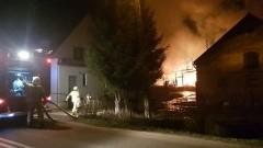 Spłonęła stodoła w Starym Mieście. Uratowano mienie warte 400 tys. zł.