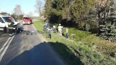 Jedna osoba trafiła do szpitala po zderzeniu osobówki i auta dostawczego.