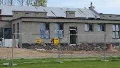 Rozbudowa szkoły w Nowej Wsi Malborskiej coraz bliżej końca. Zobacz postęp prac.