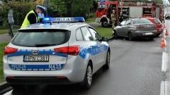 70 – letnia kobieta trafiła do szpitalu po zderzeniu dwóch samochodów.