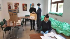 Służba Więzienna szyje maseczki dla najbardziej potrzebujących. Część z nich trafi do Nowego Stawu.