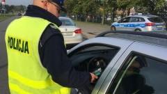 """""""Bezpieczny weekend"""" - od środy na drogach więcej policyjnych patroli."""