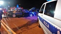 Stanisławie. Pijany kierowca trafił do szpitala, pasażer zabrany przez LPR.