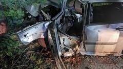 Gmina Lichnowy. Nieletni i bez uprawnień uderzył Fordem w drzewo.