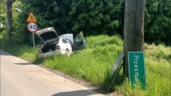W wyniku dachowania kierowca trafił do szpitala - raport sztumskich służb mundurowych.