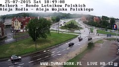 Fiat Seicento uderzył w autobus MZK na Alei Wojska Polskiego w Malborku. Pijany kierowca zbiegł i pozostawił samochód i ... pasażerów - 25.07.2015