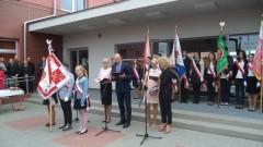 Zjazd absolwentów w Szkole Podstawowej nr 3 w Malborku. Nowy Sztandar ufundowany przez Radę Rodziców z okazji 70-lecia funkcjonowania szkoły - 12.09.2015