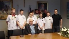 Spotkanie koła dziennikarskiego z Młodzieżowego Ośrodka Wychowawczego nr 1 w Malborku z Panem Lechem Wałęsą – 03.03.2016