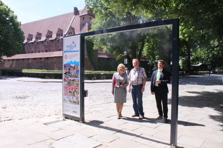 Bramka zraszająca przy malborskim Zamku. Nowa atrakcja dla mieszkańców miasta i turystów - 09.06.2016