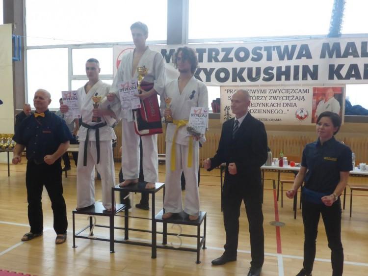 SZTUM: V Mistrzostwa Malborskiego Klubu Kyokushin Karate w Kumite. Zobacz relację wideo z zawodów!- 05.11.2016