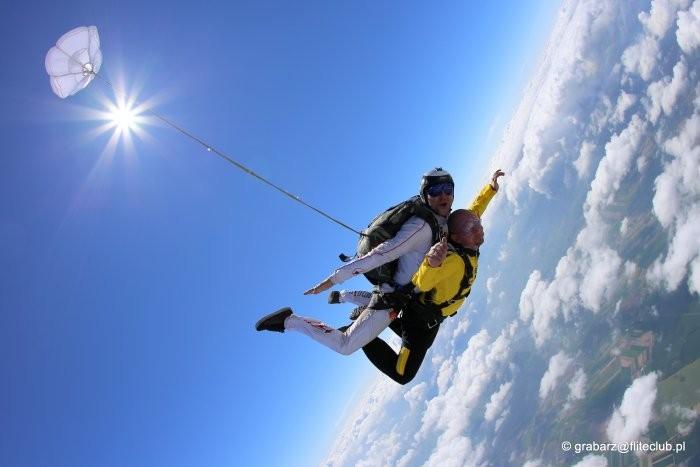 Skoki spadochronowe dostępne dla wszystkich? Teraz to możliwe!