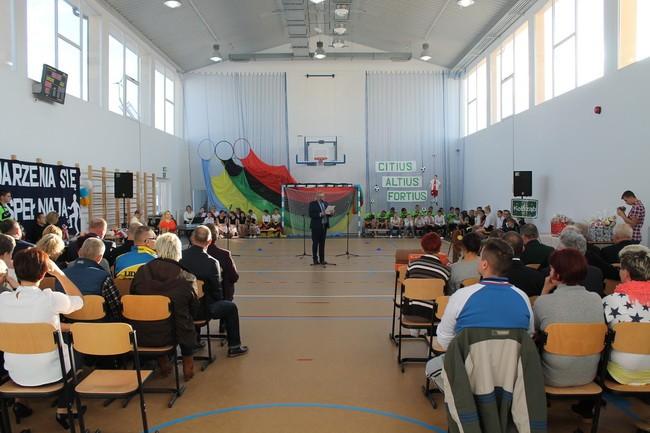 Uczniowie SOSW w Kołozębiu cieszą się z nowej sali gimnastycznej – 02.12.2016