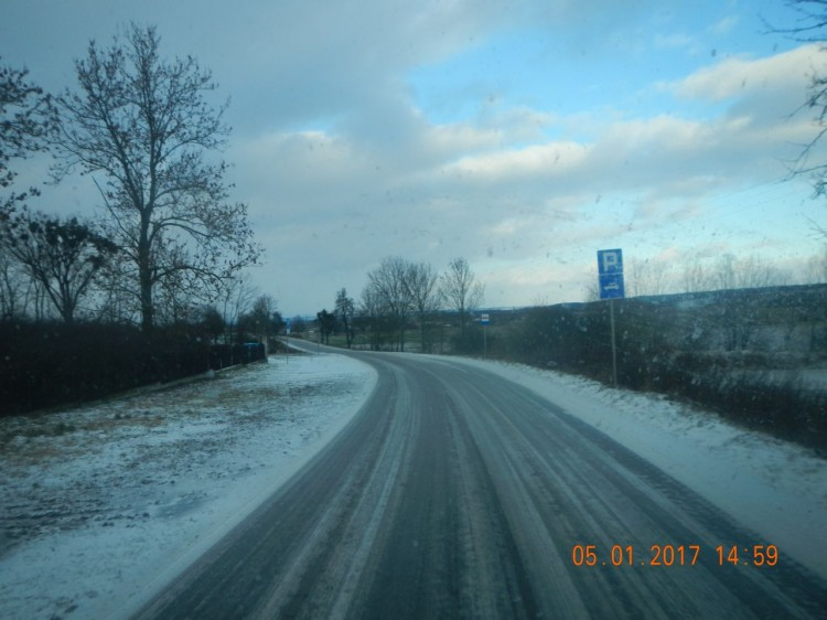 Niebezpieczne przystanki na zakręcie w Bągarcie – 19.01.2017