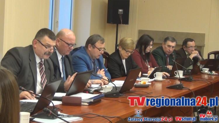 Poszkodowana wniosła o odszkodowanie po zdarzeniu drogowym w Żuławce Sztumskiej. XXVIII sesja Rady Powiatu Sztumskiego - 31.01.2017