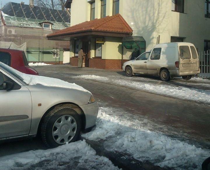 Mistrzowie(nie tylko)parkowania. Za daleko do bankomatu w Nowym Dworze Gd - 18.02.2017