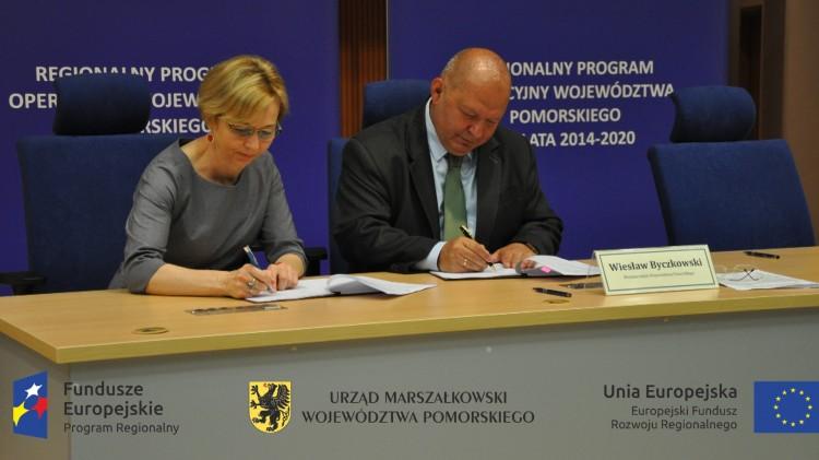 Gm. Dzierzgoń: Umowa z Urzędem Marszałkowskim na punkt zbiórki odpadów komunalnych w Miniętach – 07.06.2017