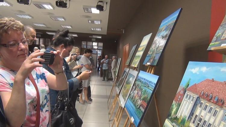 Sztum: Artystów zachwyciły krajobrazy i malownicza architektura. VIII poplenerowy wernisaż w SCK - 14.07.2017