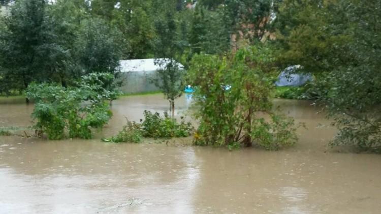Powiat sztumski: 30 zastępów strażaków broniło ludzi przed wodą. Zalane piwnice, posesje i... niedrożne przepusty! - 19.09.2017
