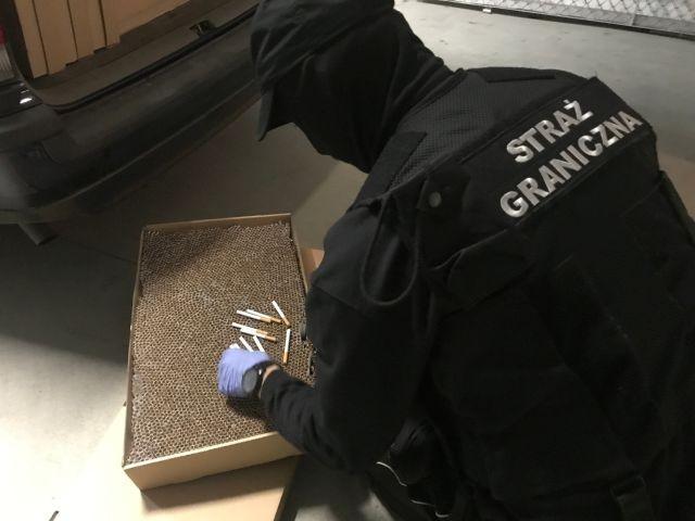 Prawie 200 tysięcy nielegalnych papierosów, 5 litrów nielegalnego spirytusu przechwycone przez Morski Oddział Straży Granicznej! - 30.09.2017
