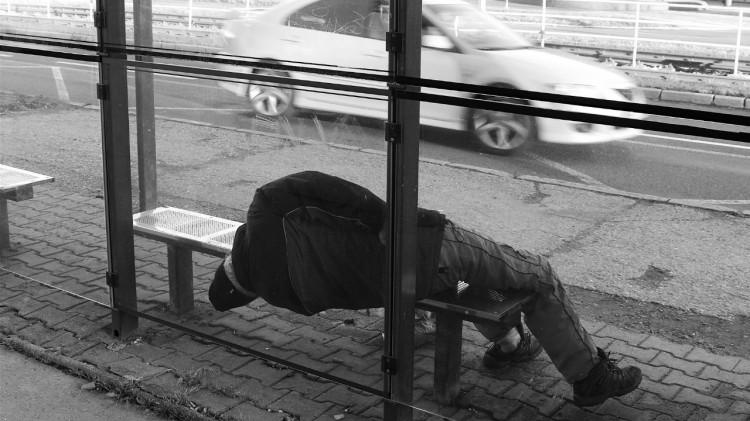 Powiat sztumski: W okresie zimowym bezdomni potrzebują pomocy. Gdzie można ją uzyskać? - 12.10.2017