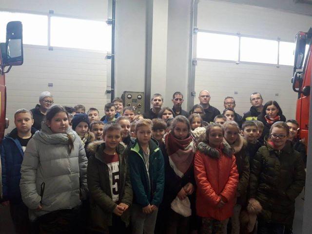 Uczniowie Szkoły Podstawowej w Dzierzgoniu z wizytą w OSP - 10.01.2018