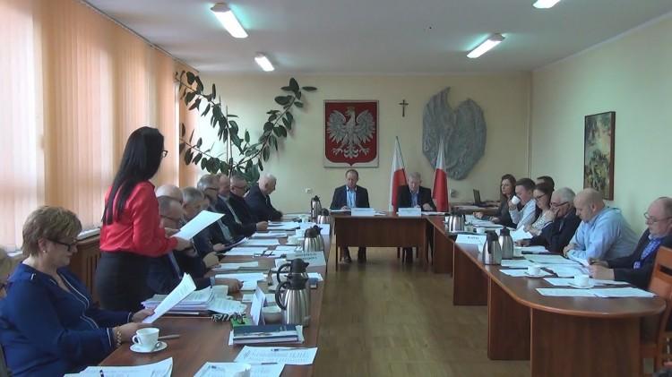 XXXV sesja Rady Miejskiej w Dzierzgoniu. Radni walczą o drogę Ramoty – Dzierzgoń. Odznaczenia dla zasłużonych mieszkańców – 28.02.2018