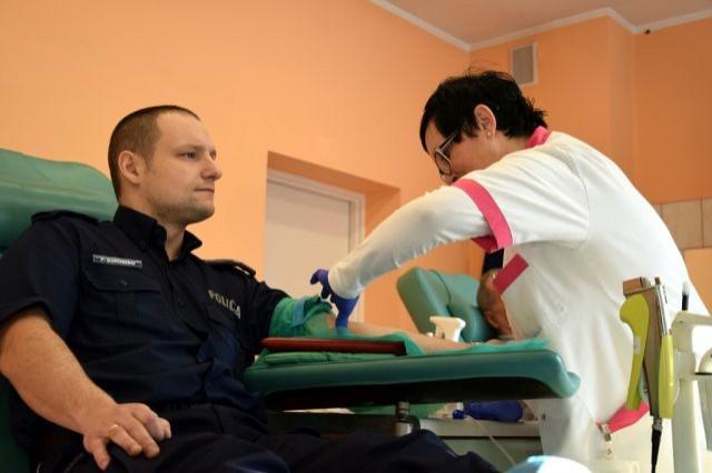 """Elbląg: """"SpoKREWnieni służbą"""" oddali krew - 01.03.2018"""