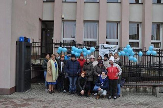 Dzierzgoń na niebiesko - miasto wspiera osoby z autyzmem