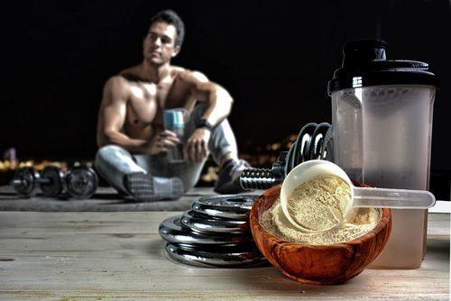 4 pomysły na przekąski z odżywką białkową