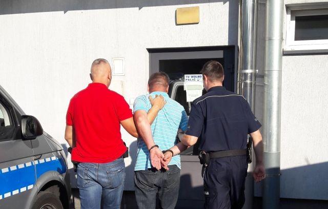 Włamywali się do budynków OSP na terenie czterech województw. Grupa seryjnych włamywaczy w rękach policji.