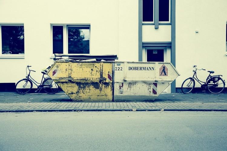 Wywóz odpadów wielkogabarytowych – regularny i na zamówienie