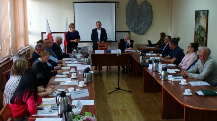 Ostatnie uchwały w tej kadencji zostały przyjęte. XLII sesja Rady Gminy Dzierzgoń.