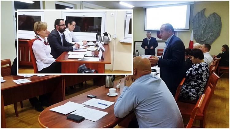 """Ile będzie zarabiała burmistrz Dzierzgonia? Przewodniczący: """"Jolanta Szewczun to tytan pracy"""" - zgadzacie się z tą opinią?"""