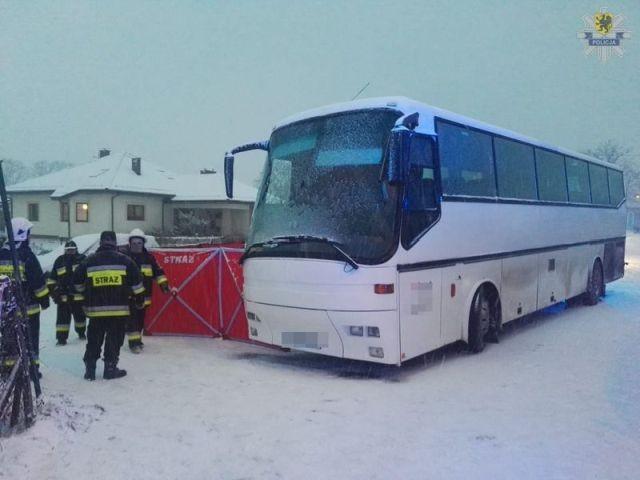 Autobus potrącił 11-latka. Chłopiec pomimo reanimacji zmarł.