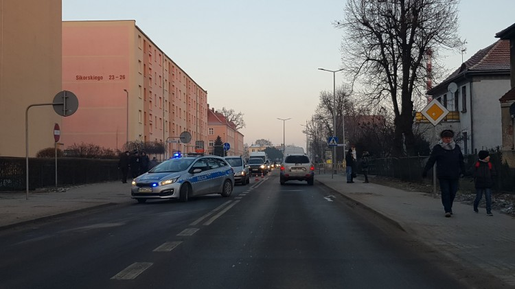 Pieszy potrącony na ulicy Sikorskiego.